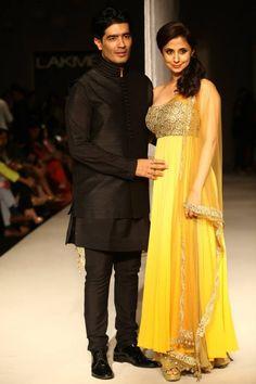 Lakme Winter 2013 Manish Malhotra with Urmila Matondkar in yellow