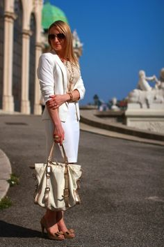 Your Outfit Today Mango Shoes, Zara Blazer, Travel Style, Old School, Straw Bag, Burberry, Classy, Office Chic, August 31
