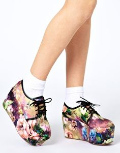 Enlarge ASOS MOSCOW Flatforms. weird, but i like