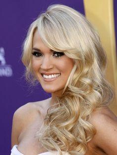 Carrie Underwood @ ACM.. Love the hair!