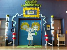 SUMMER READING 2014 DECORATIONS | Book Fair Story Laboratory | School
