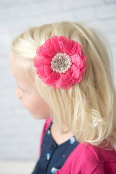 Pink Hair Clip - La Bella Rose Boutique. Flower hair accessory for girls, flower girl hair, girl's fashion, baby girl hair, toddler girl hairstyles.