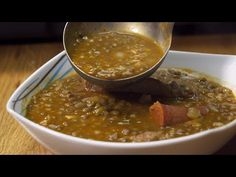 LENTEJAS CON CHORIZO y costilla - Gorka Barredo - YouTube Spanish Dishes, Spanish Food, Chorizo, Lentil Dishes, Tasty, Yummy Food, Chana Masala, Lentils, Chili