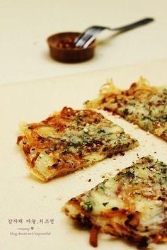 흔한 감자를 맛있게 먹어보기.바삭,쫀득 감자채 마늘 치즈전