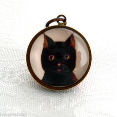 Bakelite Vintage Black Cat Image 'Bubble' Charm