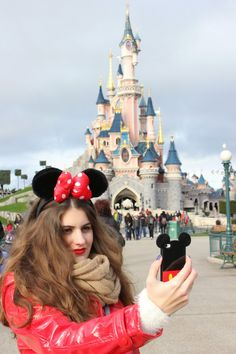 Disneyland Paris Resort / Disney/ Minnie Mouse /Iphone / Castle / Mickey Mouse