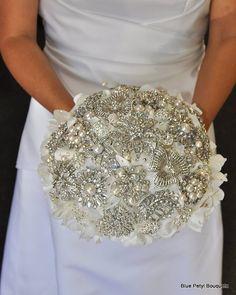 Brooch Bouquet. Love love!