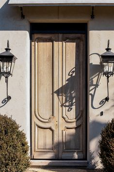 Houses — Island Architects Double Front Doors, Wood Front Doors, Front Door Decor, Front Entry, Garage Doors, Door Entryway, Entrance Doors, Grand Entrance, Doorway