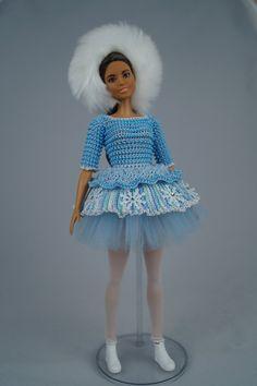 Clothes for original fashionistas Barbie doll. Clothes for original fashionistas Barbie doll. Crochet Barbie Clothes, Doll Clothes Barbie, Barbie Dress, Barbie Stuff, Doll Dresses, Free Crochet, Knit Crochet, Pretty Dolls, Blue Christmas
