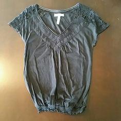 Aeropostale top Lace top of shirt. Banded bottom. Aeropostale Tops Tees - Short Sleeve