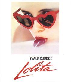 Lolita. Dirigida por Stanley Kubrick. La seducción de una joven y la fascinación de James Mason. Uno de los grandes mitos eróticos llevado al cine de una forma magistral.