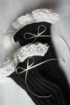 Boot Leg Warmers with Lace - inspiration Boots With Leg Warmers, Knit Leg Warmers, Boot Cuffs, Boot Socks, Clothes Horse, Diy Clothes, My Unique Style, My Style, Style Matters
