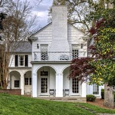 Gray exterior, french exterior, exterior design, old farm houses, house fro French Exterior, Grey Exterior, Exterior Design, Colonial Exterior, Traditional Exterior, Exterior Paint, Home Interior, Interior And Exterior, Exterior Homes