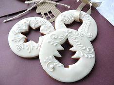 Dekorácie - Ozdoba na zavesenie - Christmas Biscuits, Christmas Sugar Cookies, Christmas Cupcakes, Christmas Sweets, Christmas Cooking, Noel Christmas, Holiday Cookies, Christmas Ornament, Gingerbread Decorations