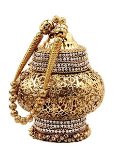 Bring an #Element of glamour to your #Outfit with this #Potli #Purse. Item code ; SJBP2001 http://www.bharatplaza.com/new-arrivals/accessories.html