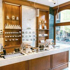 Boerejongens Center - Utrechtsestraat Coffeeshop Amsterdam Visit Amsterdam, Private Room, Marble Countertops, Wooden Shelves, New Shop, White Marble, Coffee Shop, Liquor Cabinet, Home Decor