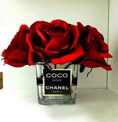 Chanel Inspired vase / Chanel Roses / Chanel by CandleLandd Old perfume bottles Chanel Decoration, Decoration Chic, Chanel Birthday Party, Chanel Party, Estilo Coco Chanel, Chanel Room, Diy Sticker, Creation Deco, Beauty Room