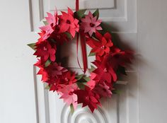 Royal Marigold: Craftin' { paper poinsettia wreath }