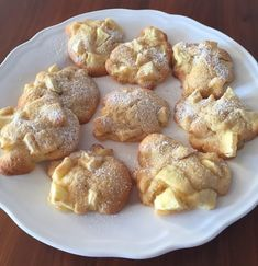 Apple cinnamon fritters- Apfel Zimt Küchlein Indescribably juicy apple tart according to mom& recipe - Apple Cinnamon Cake, Cinnamon Apples, Apple Cake, Cinnamon Desserts, Beignets, Pumpkin Spice Cupcakes, Cinnamon Cream Cheeses, Recipe For Mom, Mom's Recipe