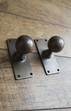 Realistic 7 X Large Nickel Bloxwich Cupboard Door Knobs Hardware