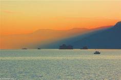 Lago Maggiore (VA)  e in lontananza i ruderi dei Castelli di Cannero