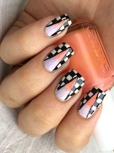 Gradient Geometric Design. For this design i've used Cheeky Imageplate CH3, Konad Black Stamping polish, China Glaze White on White, Essie - Flirt & Essie - Nice is Nice.