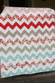 easy chevron quilt with NO triangles!