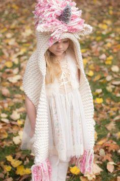 Crochet Hooded Scarf, Hooded Cowl, Crochet Scarves, Crochet Clothes, Crochet Hats, Baby Hat Knitting Patterns Free, Velvet Acorn, Hood Pattern, Crochet Fringe