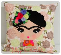 Almofada Frida Khalo - em tecido e aplicação em feltro. https://www.facebook.com/mycraftbyroberta