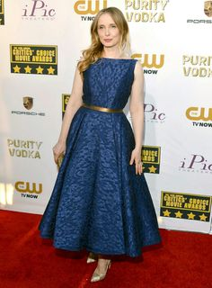 Julie in blue lace at the 2014 Critics Choice Awards
