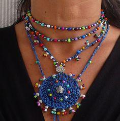 Indigo azul TRIBAL MANDALA crochet boho collar de abalorios ganchillo collar joyería étnica hippie estilo mandala colores plata espiral