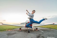 #aircraft #jump #romania #fly #happy #life #freedom #adidas  Don't make me walk,when i want to fly!