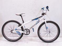 Redline MX24 Cruiser BMX Bike http://www.propertyroom.com/listing.aspx?l=9705185