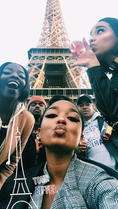 Black people in Paris 👋🏾👋🏿 Go Best Friend, Best Friend Goals, Best Friends, Friend Pics, Bff Goals, Squad Goals, Black Girl Magic, Black Girls, Black Women