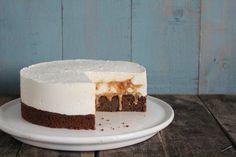 Túrótortaföldimogyorós karamellel - SweetHome Bakes Blondies, Vanilla Cake, Baking, Food, Caramel, Bakken, Essen, Meals, Backen