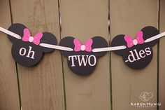 oh TWO dles Minnie Mouse banner for 2nd Birthday Party or photoshoot // Black & Pink