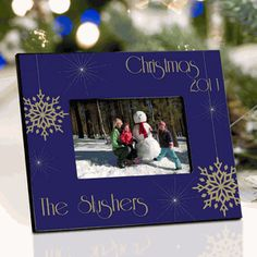 Personalized Holiday Photo Frame captures your family photos for years to come! http://partyblock.stores.yahoo.net/peredchphfr.html