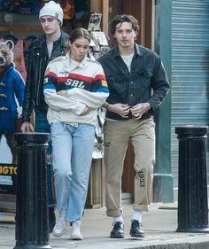 Brooklyn Beckham & his girlfriend Hana Cross spotted in London. - Brooklyn Beckham & his girlfriend Hana Cross spotted in London. Fashion News, Mens Fashion, Fashion Outfits, Style Fashion, Street Style Boy, Street Styles, Stylish Mens Outfits, Estilo Retro, Fashion Couple