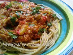 Inventuras na Cozinha: Esparguete Integral com Legumes e Delícias do Mar