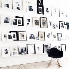 pared-decorada-con-marcos-de-fotos