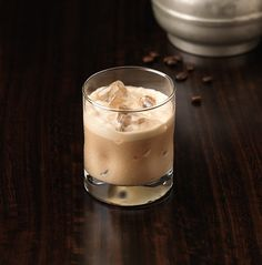 Enjoy Flat White, a cocktail made with Patrón XO Cafe Dark Cocoa. Patron Drinks, Patron Tequila, Tequila Drinks, Non Alcoholic Drinks, Coffee Cocktails, Summer Cocktails, Banana Split, Parfait, Meals