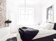 landinskan - Black and white bedroom
