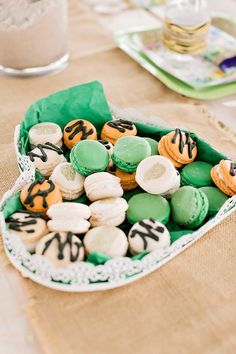 Jungle Macarons from