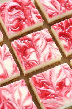 These Lemon Raspberry Cheesecake Bars feature a smooth and creamy lemon cheesecake filling with a raspberry swirl topped on a homemade graham cracker crust. These Lemon Raspberry Cheesecake Bars feature a smooth and creamy lemon Homemade Graham Cracker Crust, Graham Cracker Recipes, Lemon Raspberry Cheesecake, Raspberry Recipes, Lemon Chess Pie, Cheesecake Squares, Cheesecake Cookies, Cheesecake Recipes, Fresh Strawberry Pie