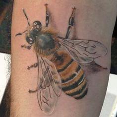 Fun walk up today at #tattoolapalooza #realistic #realism #colortattoos #bugs…