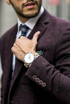 Looking at that blazer rather than the watch Fashion Mode, Mens Fashion, Style Fashion, Fashion News, Fashion Outfits, Fashion Trends, Looks Style, My Style, Burgundy Blazer