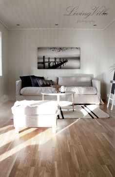 livingroom black and white styling