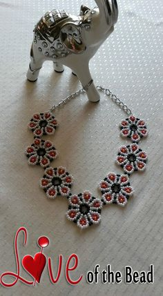 Daisy Necklace by LoveOftheBead on Etsy, gift for her, handmade necklace, flower necklace, red daisy