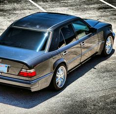 Mercedes-Benz w124 Classic Sports Cars, Classic Cars, Mercedez Benz, E 500, Mercedes Benz Cars, Sexy Cars, Modern Classic, Sport Cars, Cars And Motorcycles
