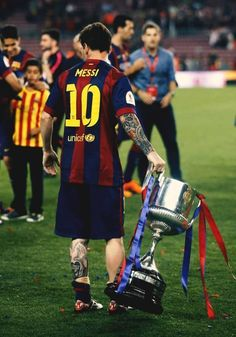 Lionel Messi of FC Barcelona celebrate after Messi scored the opening goal during the La Liga match between FC Barcelona and RC Deportivo de la Coruna at Camp Nou on May 2015 in Barcelona, Spain. Lionel Messi Barcelona, Barcelona Football, Messi And Ronaldo, Ronaldo Juventus, Football Players, God Of Football, Messi 2015, Real Madrid Atletico, Fc Barcelona Wallpapers